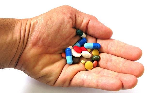 Самые полезные витамины для пожилых людей при переломах